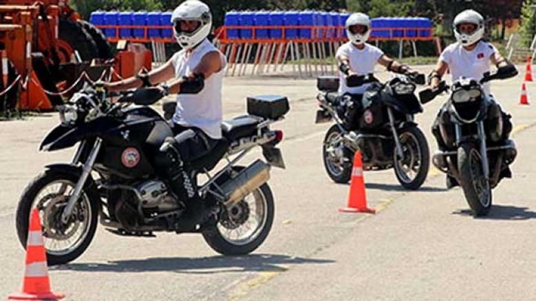 6 motorize ambulans ekibi, 1 aydır Başkent sokaklarında görev yapıyor