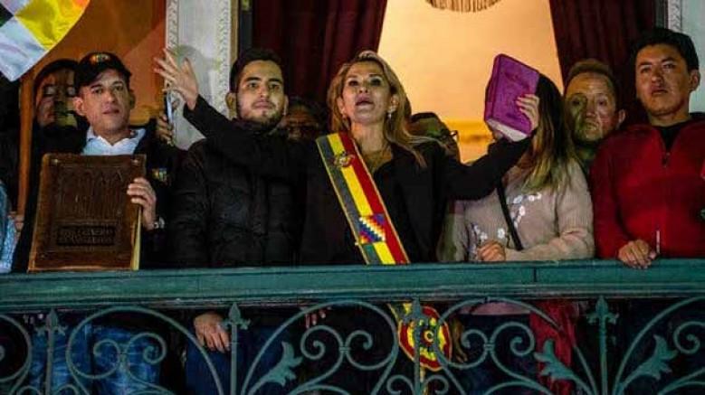 Bolivya Silahlı Kuvvetleri, Senatör Anez'i geçici devlet başkanı olarak tanıdığını açıkladı