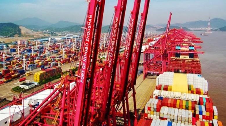 Çin, dünyanın üçüncü büyük yük limanının terminalini yeniden açtı