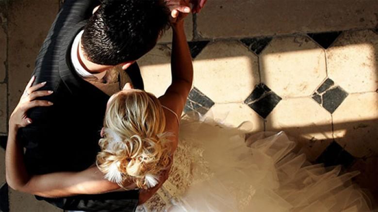 Dans kursları için farklı bir iş kolu: Düğün dansları