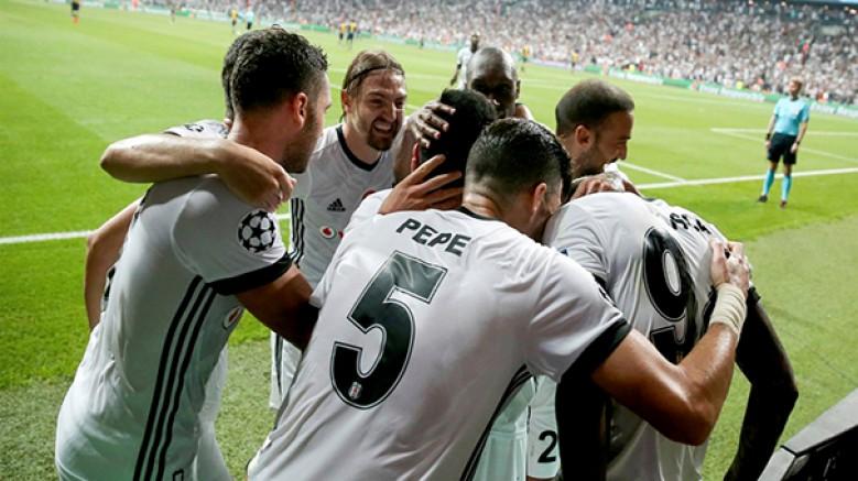 Douglos, Pepe'nin ayrılmasıyla boşalan 5 numaralı formayı giyecek
