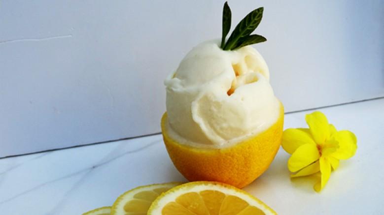 Güney'in kızgın güneşinde olgunlaşan limonların aromatik tadı, Serez Dondurmacısı'nın özel reçetesi sayesinde; Limon Sorbe'ye dönüşüyor