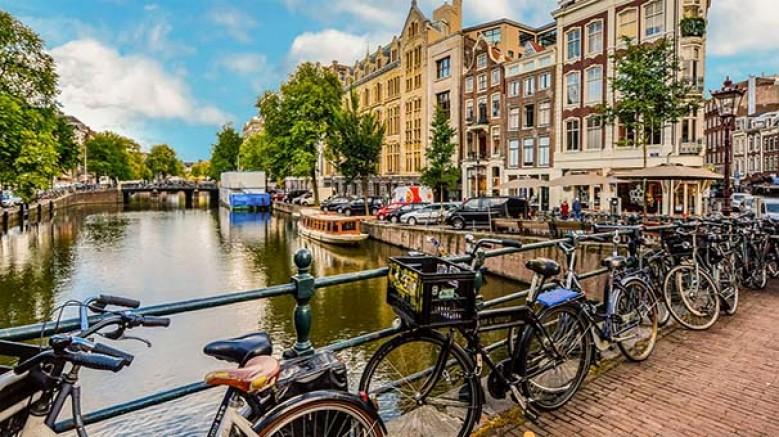 Hollanda yönetimi, ülkenin resmi ismi olarak 'Netherlands'ı kullanma kararı aldı