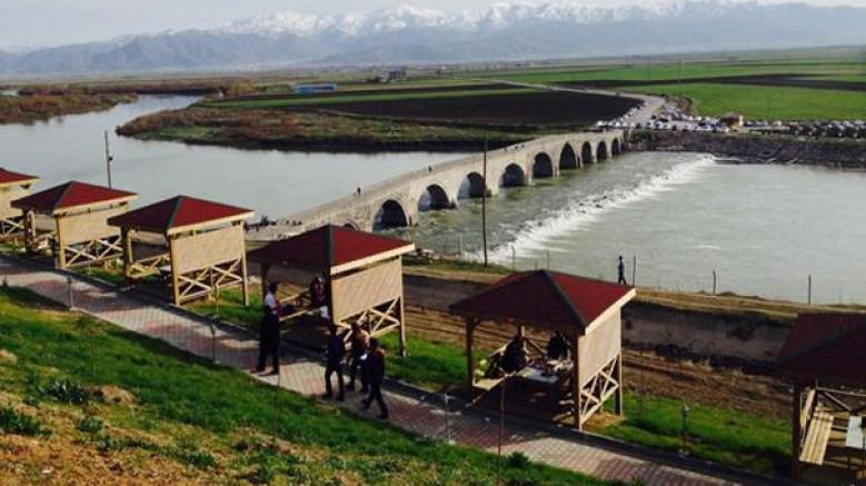Selçuklu yapısı Murat Köprüsü ile çevresi, turizme kazandırılacak