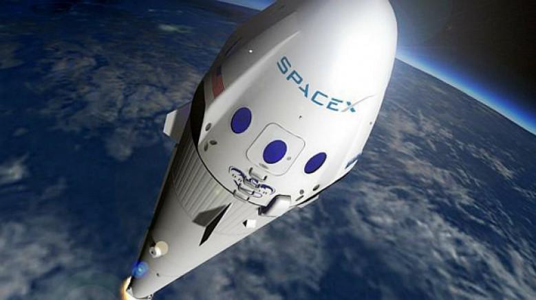 SpaceX, Starship'in çeşitli yüzeylere ve ortamlara inip kalkmasını test ediyor