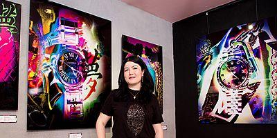 Çağdaş sanatçı Melek Kocasinan (GaoAnqi) BAAF Bodrum Sanat ve Antika Fuarı'nda